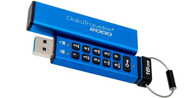 Флешка DataTraveler 2000 с кнопками для ввода пароля